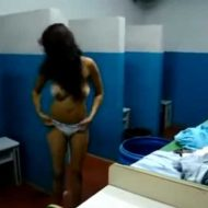 【微エロ注意】女子刑務所内の身体チェックは全部脱がして色んなとこ確認してるってよw ※衝撃映像