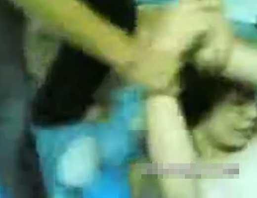 【本物レイプ】同級生達に無理やり犯されて泣いてる女の子がかわいそ過ぎw ええ体してるから狙われるわけだwww※無修正エロ動画