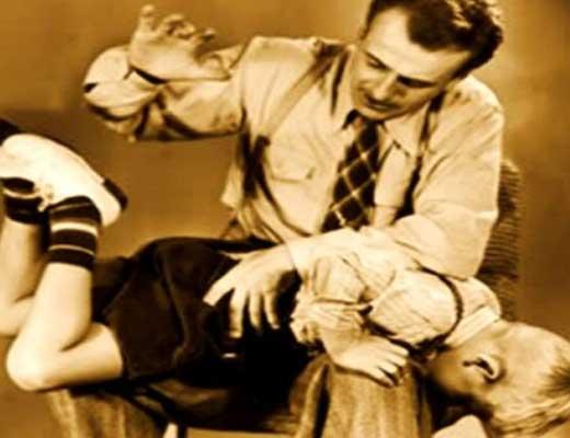 【衝撃映像】日本で体罰は悪!じゃあ海外は?→校長「はぁ?体罰??知るかバカヤロー」 ドゴッ ドスッ ボスッ ※校内暴力