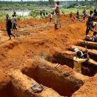 【グロ動画】アフリカに恵みの雨が降る→降り過ぎる→312人死亡で行方不明者600人ファッwww ※死体あり