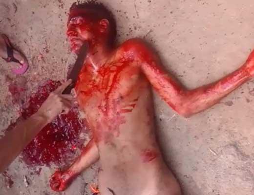 【殺人映像】母親殴って刑務所に入れられたゴミクズニートが集団にサクサク刺されてぶち殺される映像w ※グロマップ