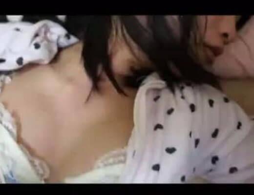 【本物近親相姦】全裸で爆睡中の妹を犯すシスコンお兄ちゃんが撮影した映像がコレw ロリマンコの締まり最高すぐるwww ※無修正エロ動画