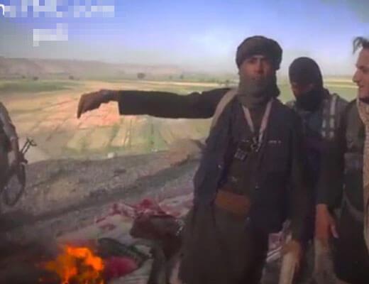 【isis】イスラム国兵士が死体の横でキャンプファイヤーしておりますがお前らも結構な死に体やからなってツッコミ入れるスレはこちらw ※グロ動画