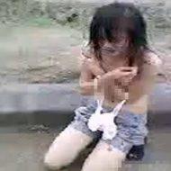 【裸いじめ】いいじゃん!減るもんじゃないんだしw早よ!! 発育途中の少女さんが泣きながら脱がされる胸糞映像がこちら ※無修正エロ動画