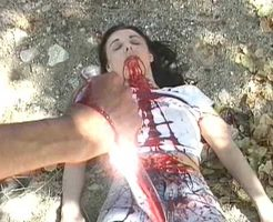 【グロ動画】女の子が惨殺されそうになっている現場に遭遇した結果・・・ ※グロマップ