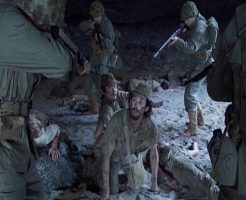 【銃殺映像】兵士「ちょったんまwワイらを捕虜にしてクレメンスwww」 よしっ断るw ここまで無慈悲な処刑現場見たことある??? ※グロ動画