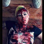 【グロ動画】倒れている少女の顔面を何度も何度もナイフで刺す ブラジルで撮影された殺人映像が狂気過ぎる・・・ ※女 死体