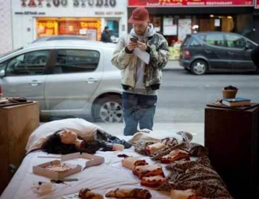 【グロ画像】女の子2人のバラバラ袋詰め遺体が路上に落ちてるとかどうかしてるぜ・・・ ※閲覧注意