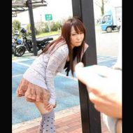 【微エロ動画】彼女のマンコに無線バイブ突っ込んで一緒にレストラン→強ボタンぽちぃぃーwww