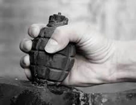 【グロ動画】ドラマの撮影中に手榴弾が爆破して有名だった俳優の左手が吹き飛ぶ瞬間映像がこれ・・・