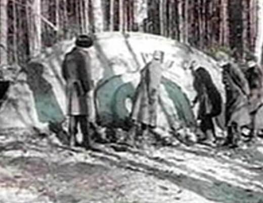 【オカルト】発掘映像!旧ソ連のKGBが墜落したUFOを発見し中から宇宙人を回収して解剖していく動画が発見されるw ※衝撃映像