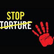 【拷問映像】悪い奴らに捕まった少年さん 目隠しされ全裸で鞭打ち刑を受けまくり悶絶を繰り返す・・・ ※衝撃動画