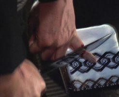 【グロ動画】ヤクザがやってる指詰めを素人が実際にやってみた結果w