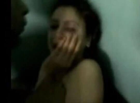 【ガチレイプ】泣き叫んでいる少女を無理やり犯しまくる個人撮影の強姦映像がマジで流出してた・・・ ※無修正エロ動画