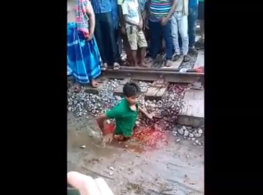 【グロ動画】人身事故で上半身だけになった男性の動きがヤバい・・・