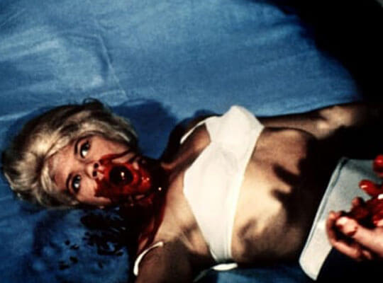 【処刑】薬代を払えなくなった麻薬中毒の少女が生きたままギャングに斬首されていくグロ動画・・・