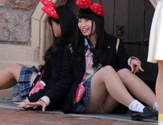 【jk 盗撮】夢の国で隠し撮りされた無防備な女子校生のパンツとかwww