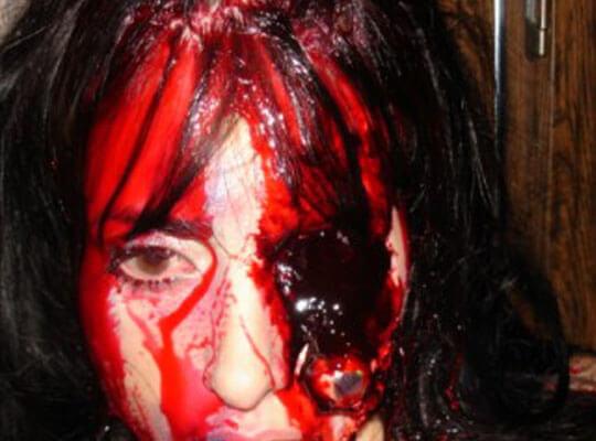 【閲覧注意】斬首される女 拳銃自殺する男 チェーンソー処刑 トラウマ注意なグロ動画まとめたったw