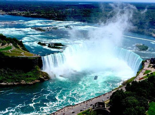 【自殺?】世界三大瀑布ナイアガラの滝で流されていく男性が落ちて消えていくまで・・・