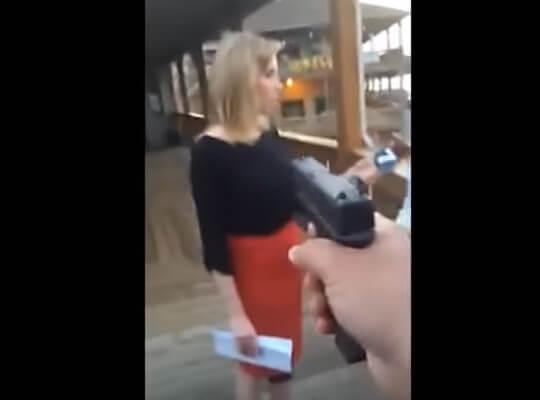 【放送事故】TVで放送されたヤバい映像 生放送中に銃殺される美女・・・