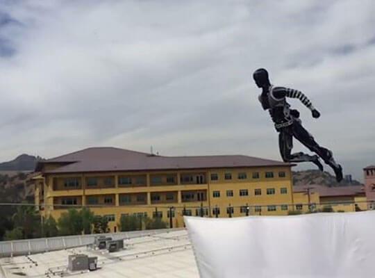 【神動画】もう危険なスタントに人は必要ないかも ディズニーが制作したアクロバットロボットがガチで凄い!!!