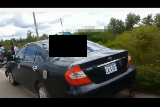 【閲覧注意】バイクと車が衝突・・・運転手が消えその代わり車の上に肉片が・・・
