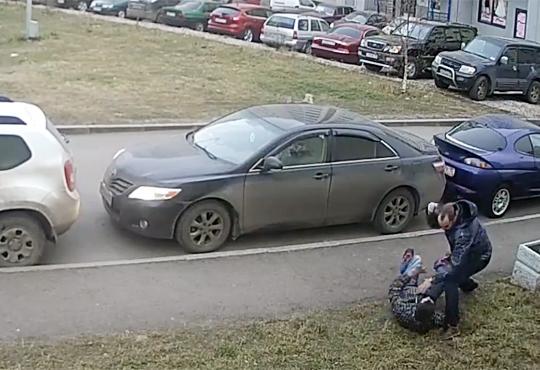 【喧嘩】駐車スペースで揉めてボコボコにした結果悲惨なことに・・・