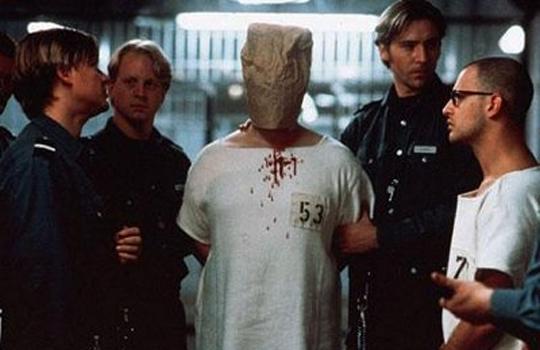 【レイプ復讐】レイプで捕まった犯人が刑務所に入ったらこうなる・・・