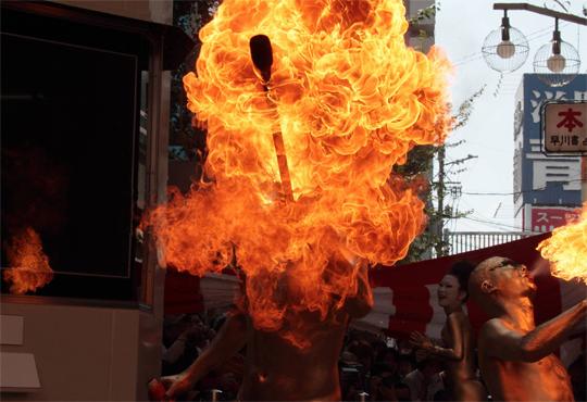 【焼身自殺】自己犠牲でなぜ自分に火をつけるんですか?※閲覧注意