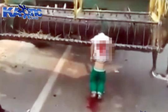【グロ動画】農作業機械に巻き込まれ串刺しになった子供・・・※超閲覧注意