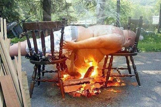 【グロ画像】まさに火病!物理的に燃えてる人たち ※閲覧注意