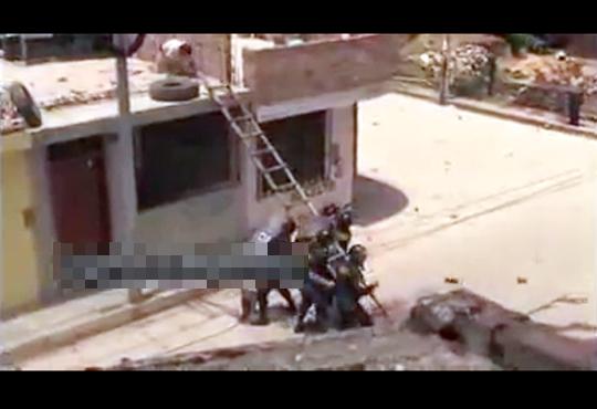 【衝撃映像】住民と警察の立ち退き戦争が完全に殺し合いな件