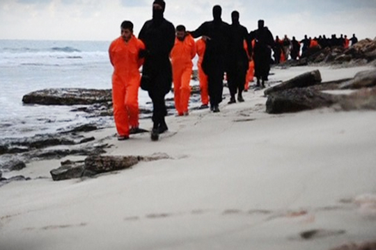 【ISIS】キリスト教エジプト人21人首切り公開処刑!※閲覧注意動画