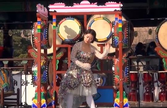 【トンスル動画】韓国の和太鼓の起源(笑)『オゴム』!いいえ違います。それはロボットダンスです