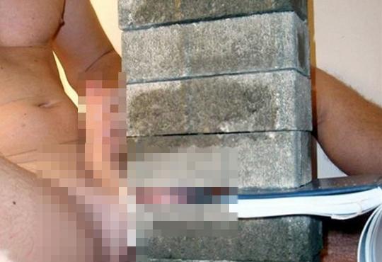 【閲覧注意】キ○タマの上にブロックを積まれるのが好きな方へ