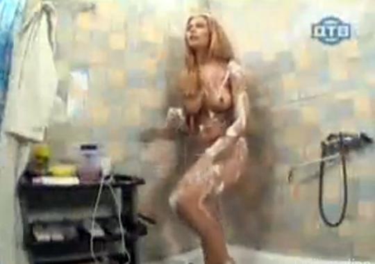 【エロどっきり】シャワー室をあけると金髪美女が全裸で・・・確実に襲います(^p^)