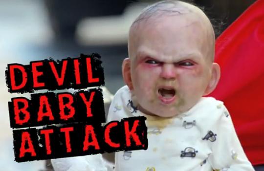 【いたずら】ニューヨーク震撼!乳母車から出てきたのはトラウマレベルの赤ちゃんだった!