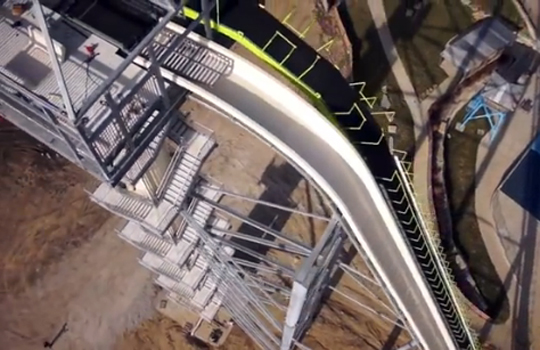 【衝撃映像】今年完成する「世界一高いウォータースライダー」がチンコ竦み上がるほど怖いw
