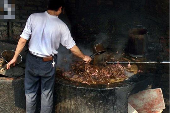 【グロ注意】マスゴミが隠す中国食品加工・・・グロすぎてもう中国産食えない
