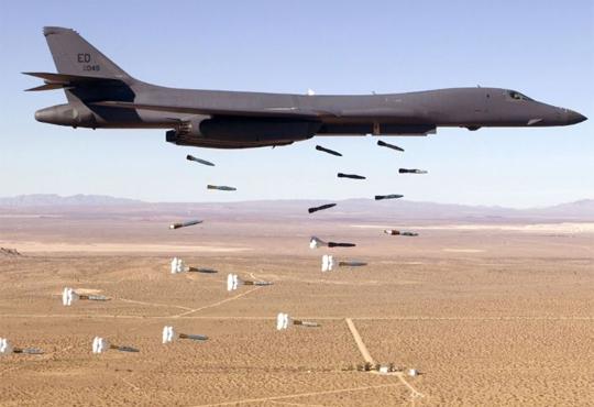 【ISIS】イスラム国のアジトが米の空爆で木っ端微塵にされる(動画)