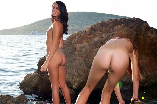 【エロ画像】ヌーディストビーチで見つけた可愛い女子たちのエロ画像・・・(22枚)