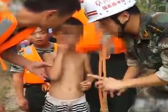 【グロ注意】8歳の子供「ママが川に飛び込んで出てこない」⇒ 死体が上がるまでの映像