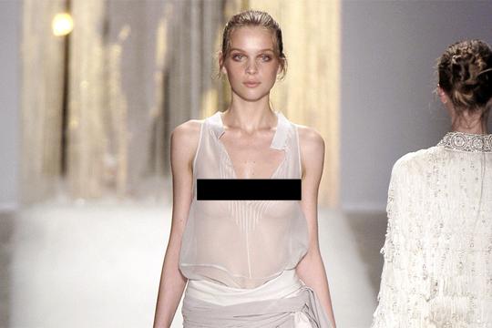 【エロ画像】スーパーモデルは乳首もスーパーなんだけどw・・・(20枚)