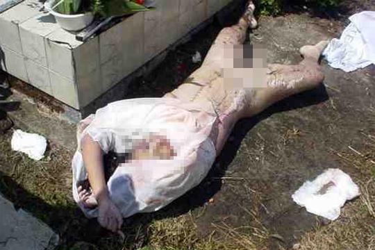 【レイプ】死後数日の遺体を墓から出して死姦していた浮浪者