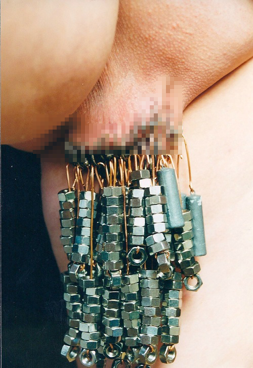 マンコ 乳首 クリトリス 針刺し SM 画像 エログロ