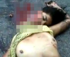 【グロ動画】カップルが事故・・・彼女のおっぱい丸出しで首が・・・