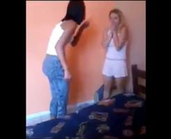 【メシウマ】浮気女をボッコボコにする復讐動画wクソビッチざまぁwwww