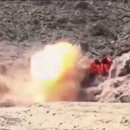 【ISIS】今月は予算余ってるんで処刑はミサイルにしときますねw ※処刑動画
