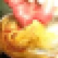 【超閲覧注意】寄生虫に巣食われた人間の腸絞り出す映像を見ながら麺類を食べるスレ・・・w
