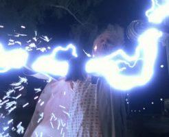 【悲報】俺氏、防犯ゲートの電源切り忘れて感電死する・・・